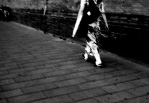 woman walking in the streetsg