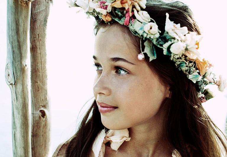 girl wearing a coronal