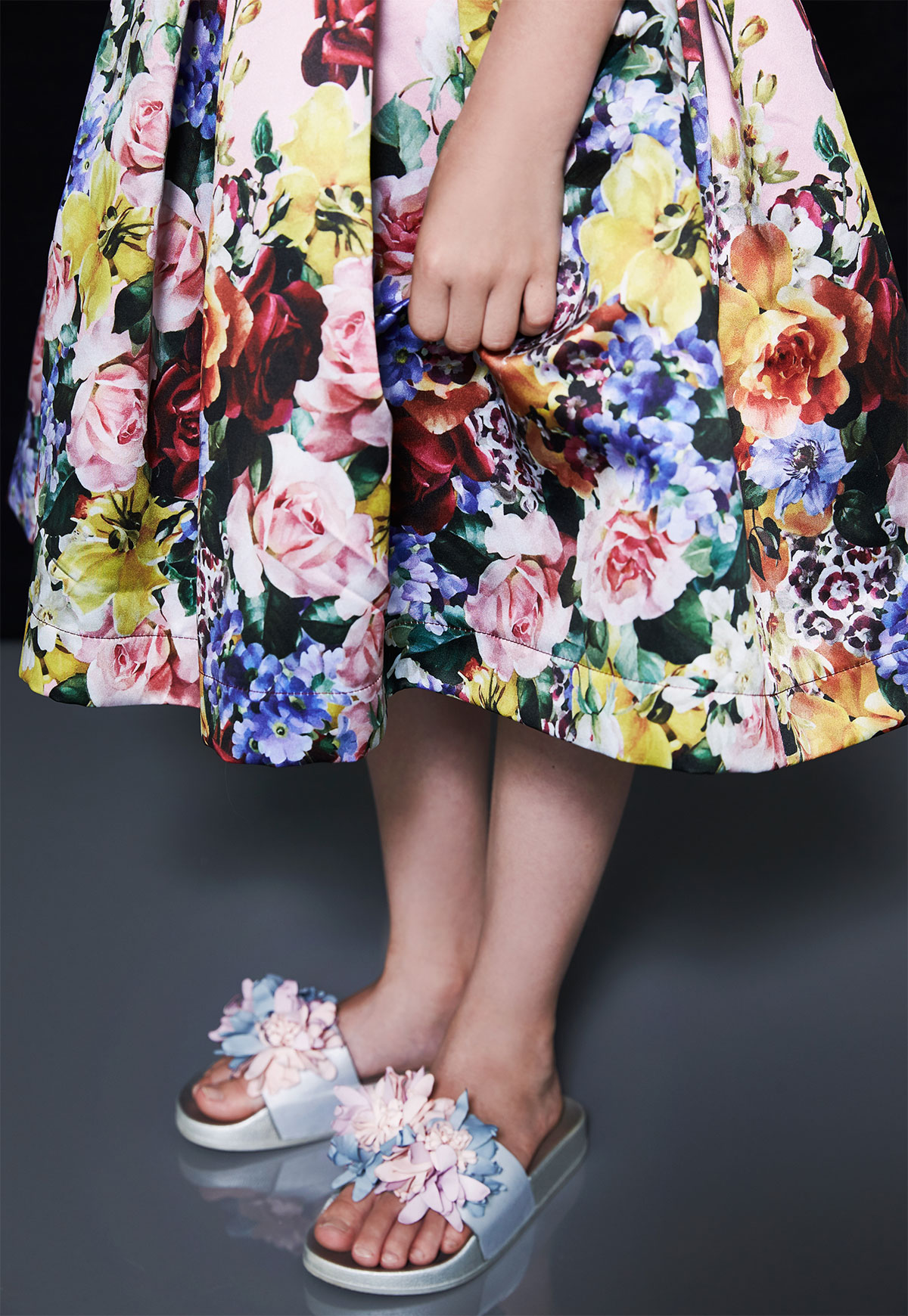 girl with flower dress